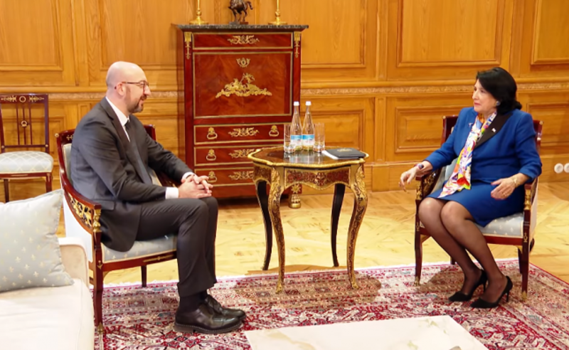 ევროპული საბჭოს პრეზიდენტი შარლ მიშელი სალომე ზურაბიშვილს ხვდება