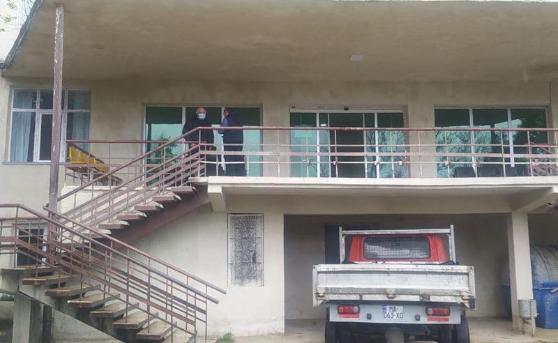 უბედური შემთხვევა ქუთაისში - სახელმწიფო კლინიკის მეხუთე სართულიდან პაციენტი გადმოხტა