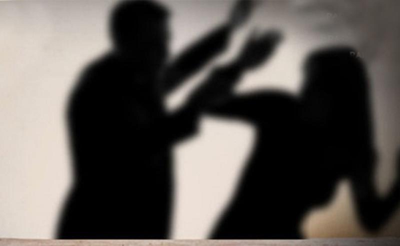 ოჯახური ძალადობა თბილისში - მამაკაცმა ორსული ცოლი სასტიკად სცემა