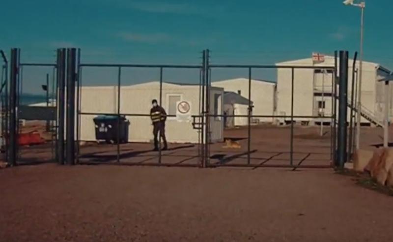 ტუალეტის ხეხვა, ცემა და მუხლებზე დაჩოქება 11 საათით - ჯარისკაცები დასჯის მეთოდებზე (ვიდეო)
