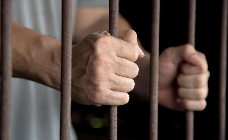 პატიმრების წამება - დაკავებულია ციხის ყოფილი თანამშრომლი