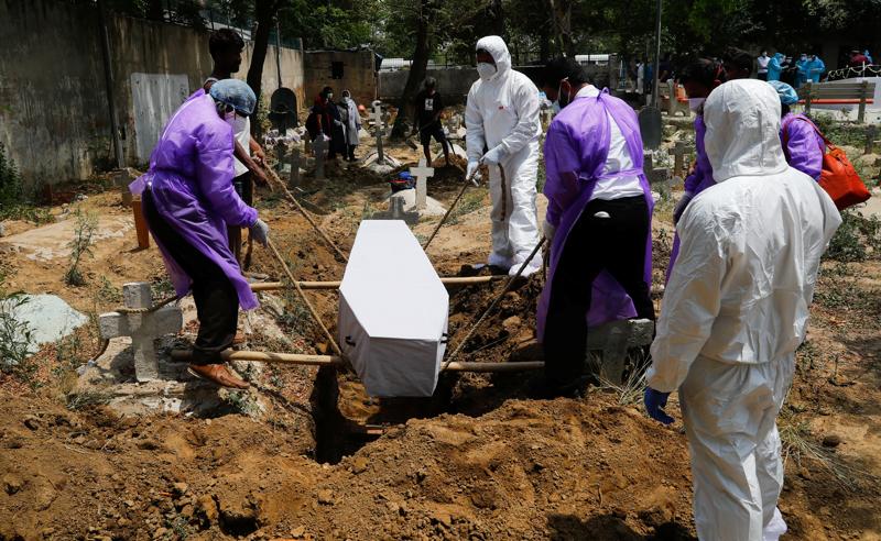 კორონავირუსის რეკორდული რიცხვი ინდოეთში - 24 საათში დაღუპულია 3 780 ადამიანი