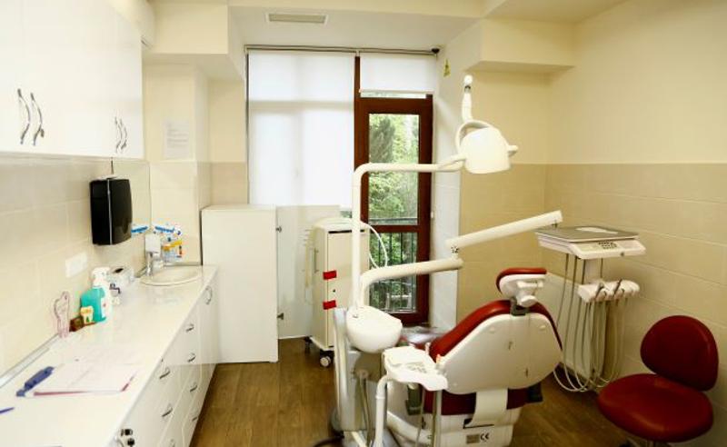 2 სტომატოლოგიურ კლინიკაში ე.წ მალხენ აირს უკანონოდ იყენებდნენ - რეგულირების სააგენტო