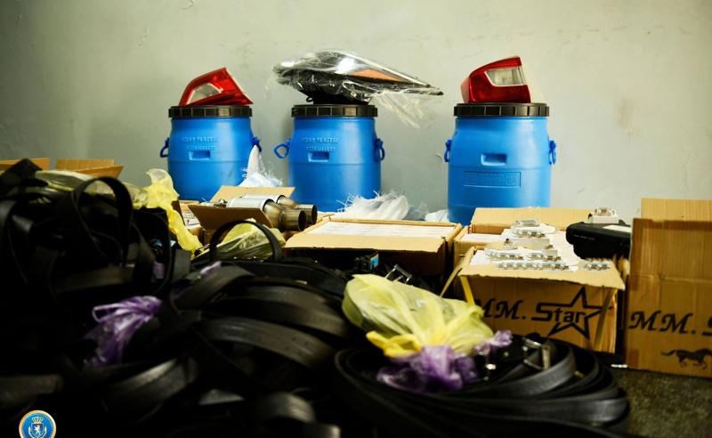საგამოძიებო სამსახურმა საზღვარზე  15 000 ლარის არადეკლარირებული ნივთები ამოიღო