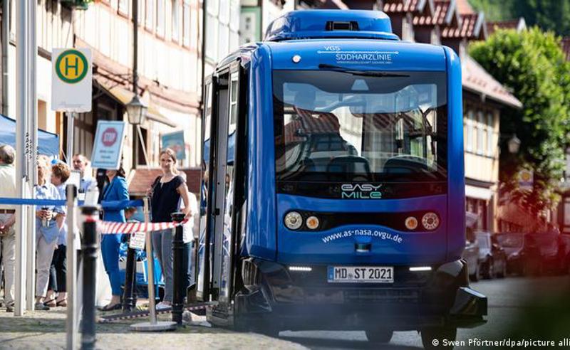 გერმანიაში უპილოტო ავტობუსი გამოჩნდა