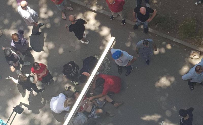 მოძალადეებმა ხეთაგუროვზე დაჭრეს ტურისტი, რომელსაც საყურე ეკეთა