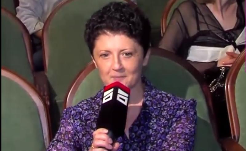 """თეა წულუკიანმა """"მთავარი არხის"""" ჟურნალისტს მიკროფონი წაართვა (ვიდეო)"""