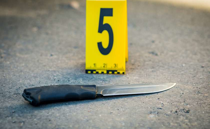 სისხლიანი დაპირისპირება თბილისში- ორმა ახალგაზრდამ ერთმანეთს ცივი იარაღით დაზიანება მიაყენა