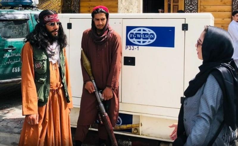 თალიბანმა ქალებს ქუჩაში მამაკაცის თანხლების გარეშე გამოსვლის უფლება მისცა