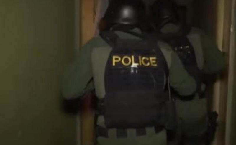 ამოღებულია  უკანონო იარაღი და საბრძოლო მასალა - პოლიციამ სამი პირი დააკავა