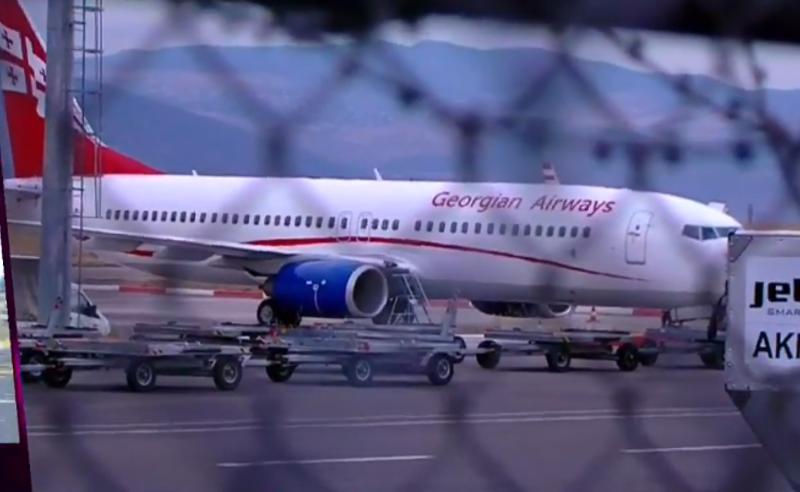 თბილისის აეროპორტში თვითმფრინავი  ავარიულად დაეშვა - მიმდინარეობს მგზავრების ევაკუაცია