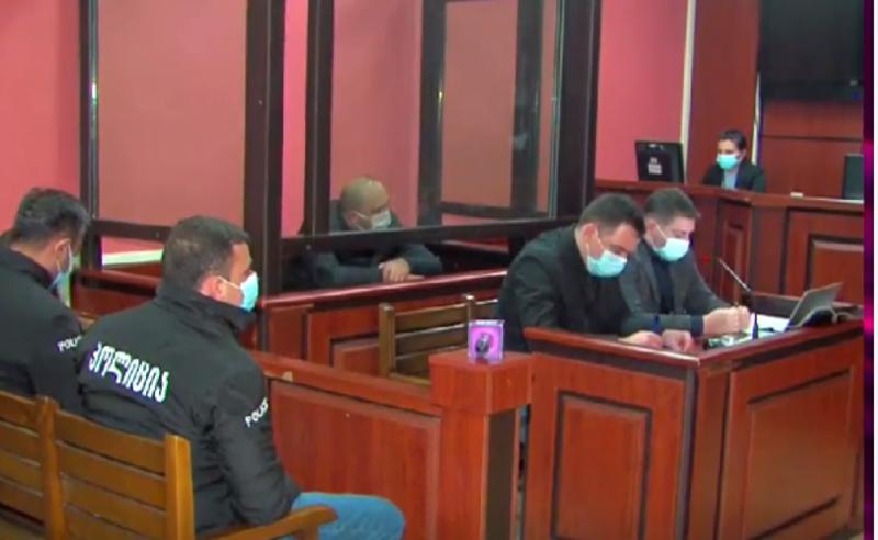 ნაფიცი მსაჯულები ავარიაში მოხვდნენ, სასამართლო ვერდიქტის გამოტანას ვერ ახერხებს